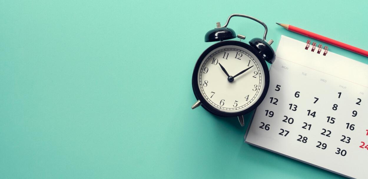 clock and calendar to show short term insurance