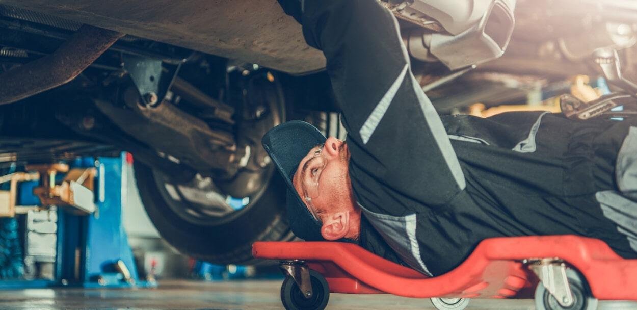 auto mechanic who has garage liability insurance