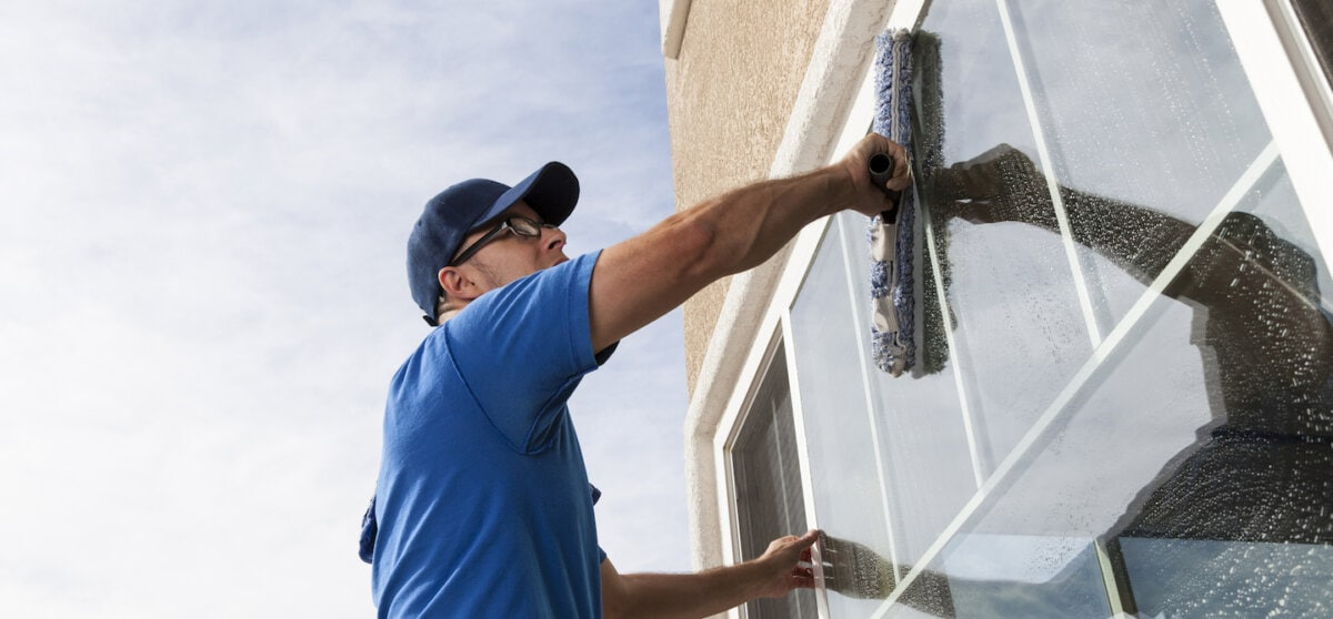 How to Start a Window Cleaning Business | Thimble